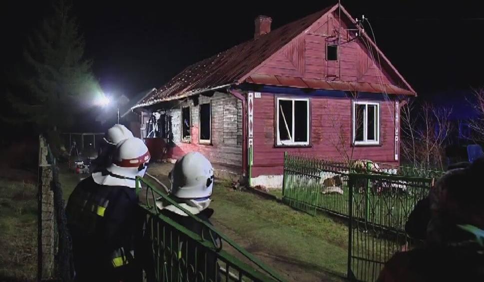 Film do artykułu: Chytra. Pożar domu pochłonął dwie ofiary. Zginęły małe dziewczynki (wideo)
