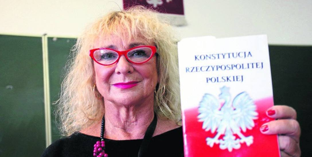 Mecenas Danuta Wawrowska jest radcą prawnym, pracowała też jako prokurator i sędzia.