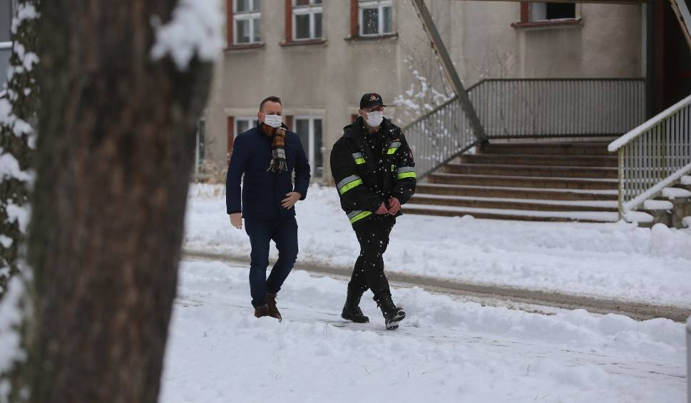 Film do artykułu: Wybuch w Nitroerg w Bieruniu. Przyczyny tragedii wyjaśni policyjne śledztwo. Na miejscu pracują saperzy. Spółka powołała komisję ekspercką