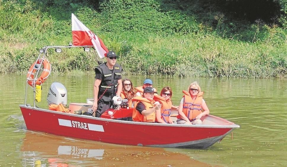 Film do artykułu: Ekipa z powiatu tarnobrzeskiego Wisłą płynie łodziami do stolicy
