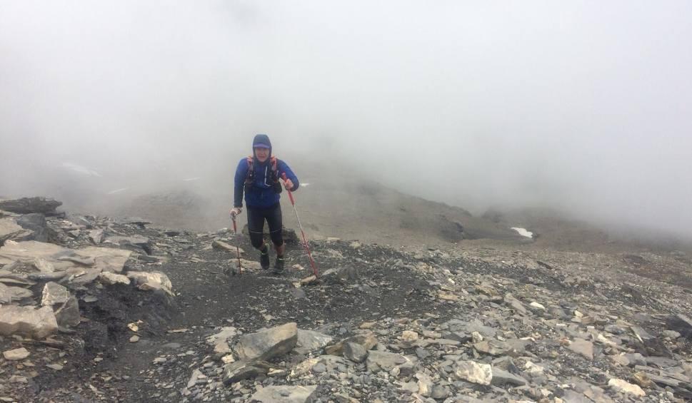 Film do artykułu: Leśnik z Bieszczadów ukończył morderczy ultramaraton. Obiegł Mont Blanc w 30 godzin [ZDJĘCIA]