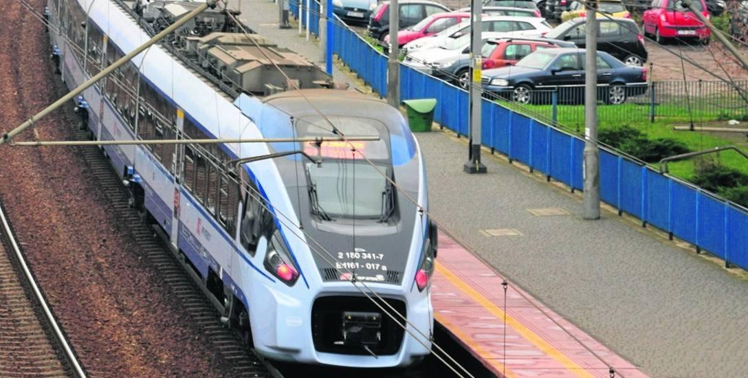 Dworce pustoszeją, pociągów jest coraz mniej, a wszystko przez zagrożenie epidemią koronawirusa.