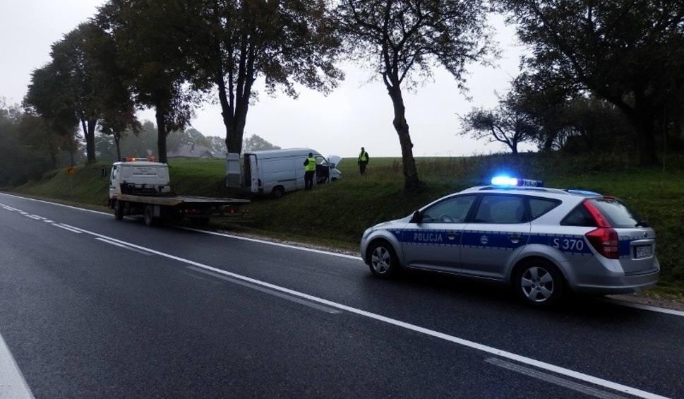 Film do artykułu: Pościg za autem w powiecie opatowskim. Kierowca nie miał prawa jazdy, mercedes był kradziony