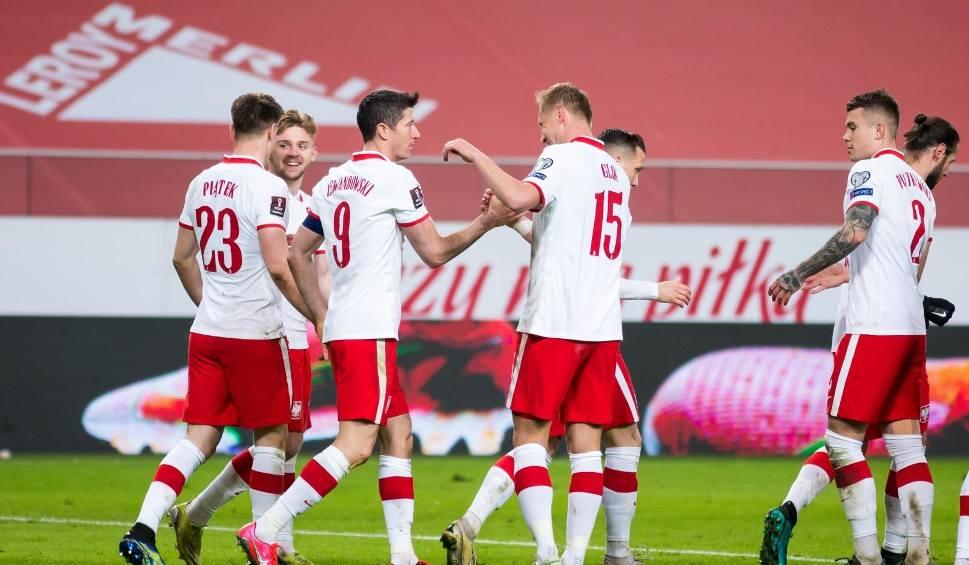 Film do artykułu: Wiadomo, gdzie reprezentacja Polski zagra na Euro 2020. UEFA oficjalnie potwierdziła zmiany. Zmieni się również baza naszej kadry