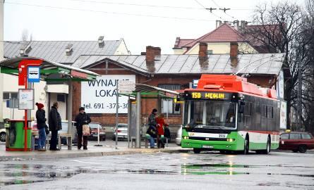 Wspólny przystanek dla jadących w stronę centrum - tak ma być od 1 marca na pl. Dworcowym.
