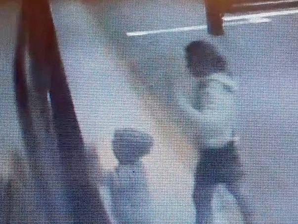 5-latek wpadł w szczelinę między peronem a pociągiem. Chłopiec omal nie zginął