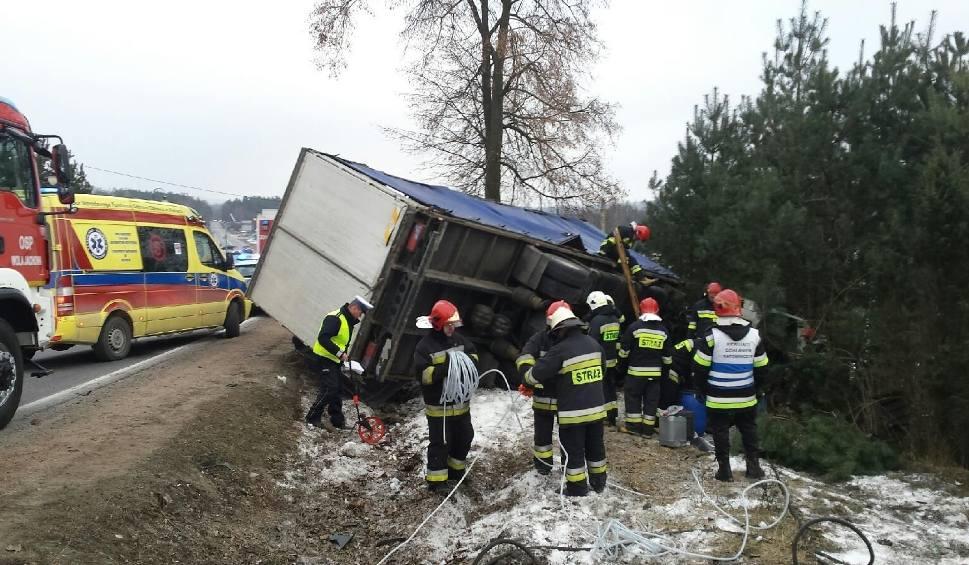 Film do artykułu: W Skorzeszycach ciężarówka wypadła z drogi na krajowej trasie