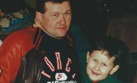 - Moje dziecko, mój skarb leży dziś w grobie - mówi Wojciech Ruminkiewicz, który walczy o zadośćuczynienie za śmierć syna Olka (na zdjęciu). Chłopiec