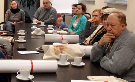 Uczestnicy spotkania odebrali nagrody i obejrzeli film o powstaniu rzeźby