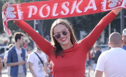 Biało-czerwone fanki przed meczem Polska - Portugalia w Marsylii
