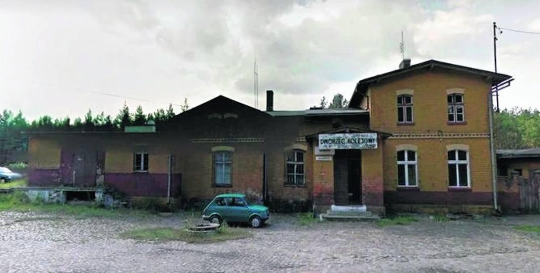 Tak prezentuje się stacja PKP w Wielanowie, dla okolicznych mieszkańców istnienie poczekalni to duża wygoda