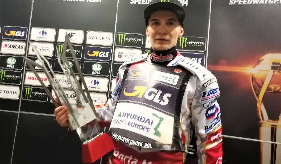 Film do artykułu: Patryk Dudek, żużlowiec Stelmetu Falubazu Zielona Góra liderem cyklu Grand Prix. Był trzeci na PGE Narodowym
