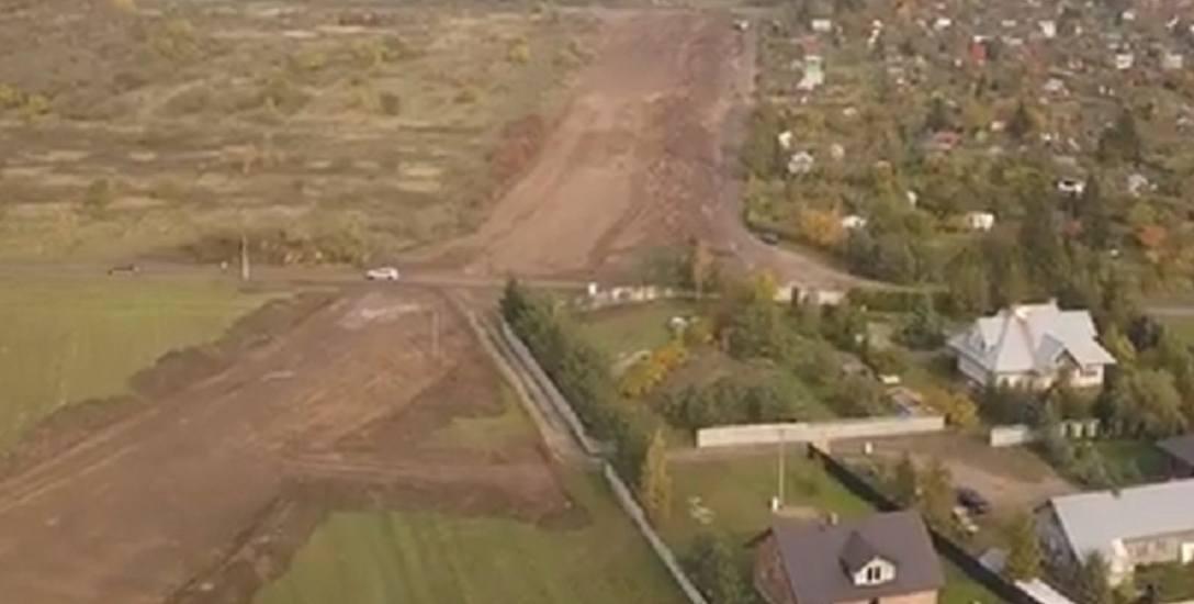 Prace przy budowie nowej drogi rozpoczęły się dwa lata temu, ale  wykonująca je firma zbankrutowała