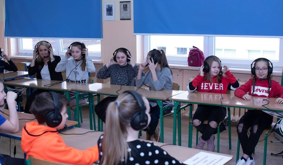 """Film do artykułu: """"Uczniowie to cyfrowi tubylcy"""". Dzień nowych technologii w edukacji w Szkole Podstawowej nr 2 w Stargardzie [ZDJĘCIA, WIDEO]"""