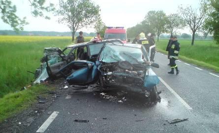 Wypadek koło Radwanic. Dwie osoby są ranne (zdjęcia Czytelnika)