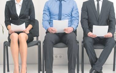 Z reguły im większa firma, tym dłużej trwa proces naboru nowych pracowników