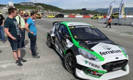 Zawody World Rallycross Championship w Norweskim Hell - mocne maszyny i prawdziwy raj dla miłośników motoryzacji.