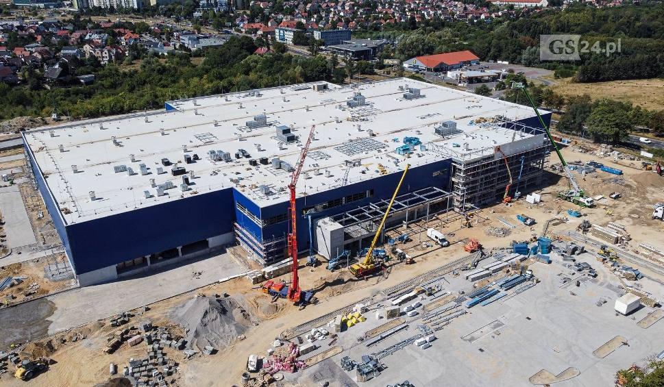 Film do artykułu: IKEA w Szczecinie. Kiedy otwarcie? Jak idą prace? Zdjęcia z placu budowy. Z powietrza!