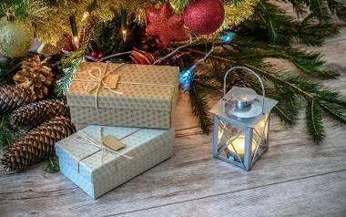 Uważaj, co kładziesz pod choinką! Niechciane prezenty świąteczne [LISTA]