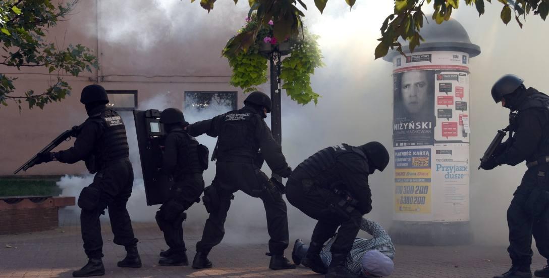 Jeśli uważasz, że zostałeś niesłusznie zatrzymany przez policję, złóż zażalenie w sądzie. Masz szanse na zadośćuczynienie za krzywdy