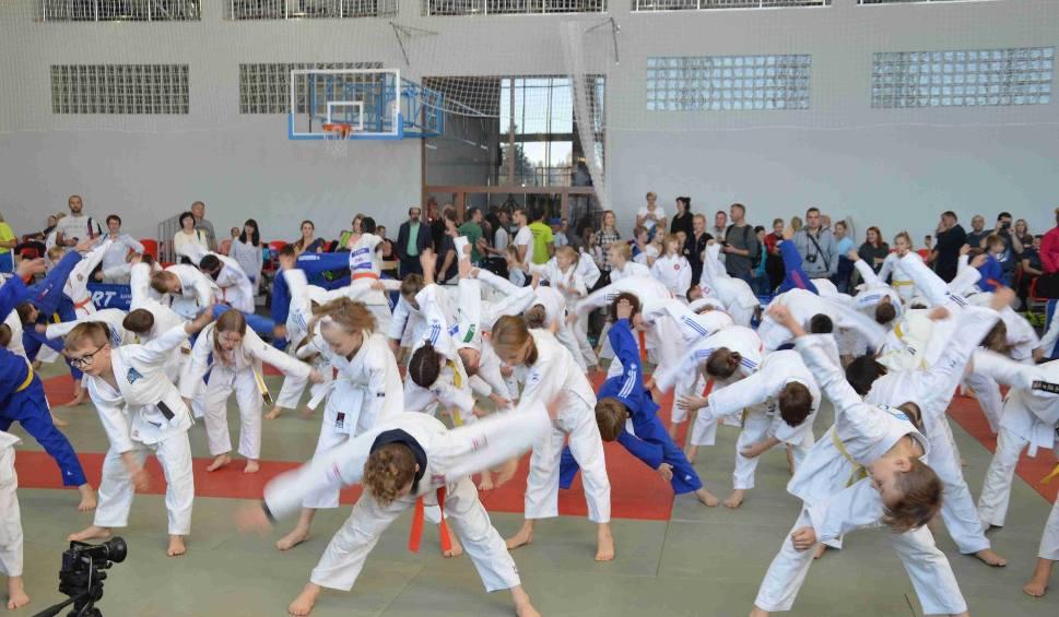 Film do artykułu: Zakopane. Młodzi judocy opanowali szkołę sportową [ZDJĘCIA]