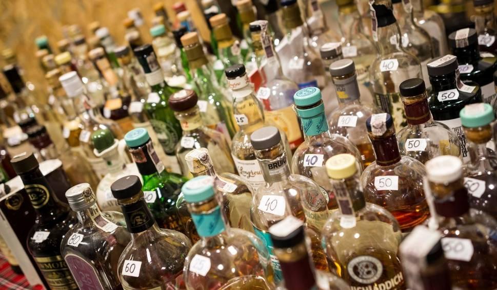 Film do artykułu: Akcyza na alkohol i papierosy 2020: ceny idą znów w górę! Droższe wyroby akcyzowe! 10 procentowa podwyżka cen! W Polsce znacznie drożej!