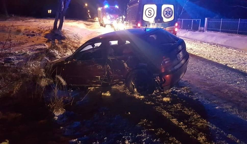 Film do artykułu: Straciła panowanie nad kierownicą i uderzyła w samochód. Jedna osoba trafiła do szpitala po wypadku w Bartodziejach