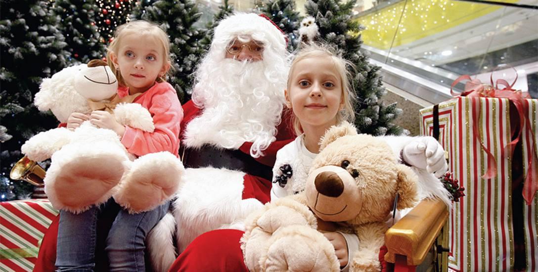 Małym darczyńcom o dużych serduszkach zrobimy pamiątkowe zdjęcie z Mikołajem