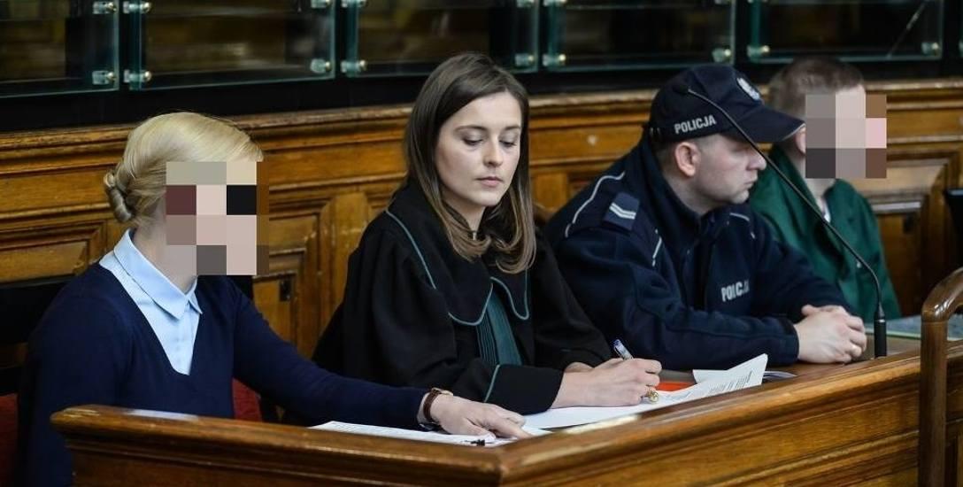Proces Katarzyny i Marcina P. w sprawie Amber Gold) toczy się w Sądzie Okręgowym w Gdańsku