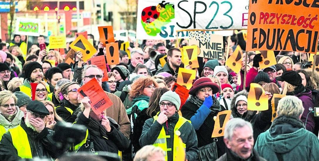 Rekrutacja do podstawówek w cieniu strajków  Czy protest od tego tygodnia przyjmie inną formę?