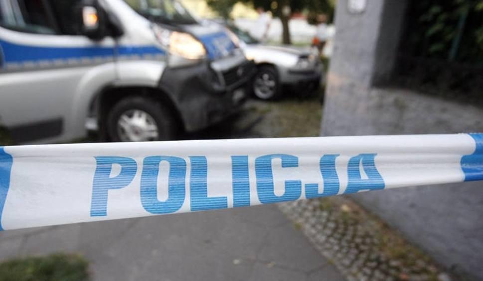 Film do artykułu: Wypadek w Orpelowie koło Pabianic. Pieszy śmiertelnie potrącony. Kierowca uciekł