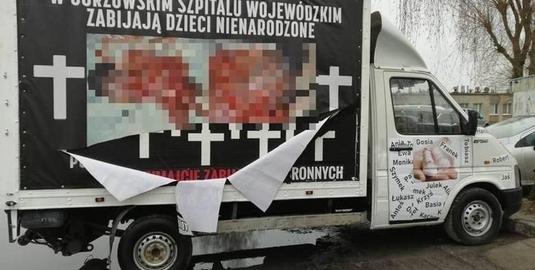 Radni z Gorzowa podjęli stanowisko w sprawie zakazu eksponowania drastycznych treści