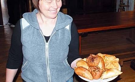 """""""Tatarska Jurta"""" w Kruszynianach – tutaj posmakujemy smakołyków kuchni tatarskiej przygotowywanych przez Dżennetę Bogdanowicz."""