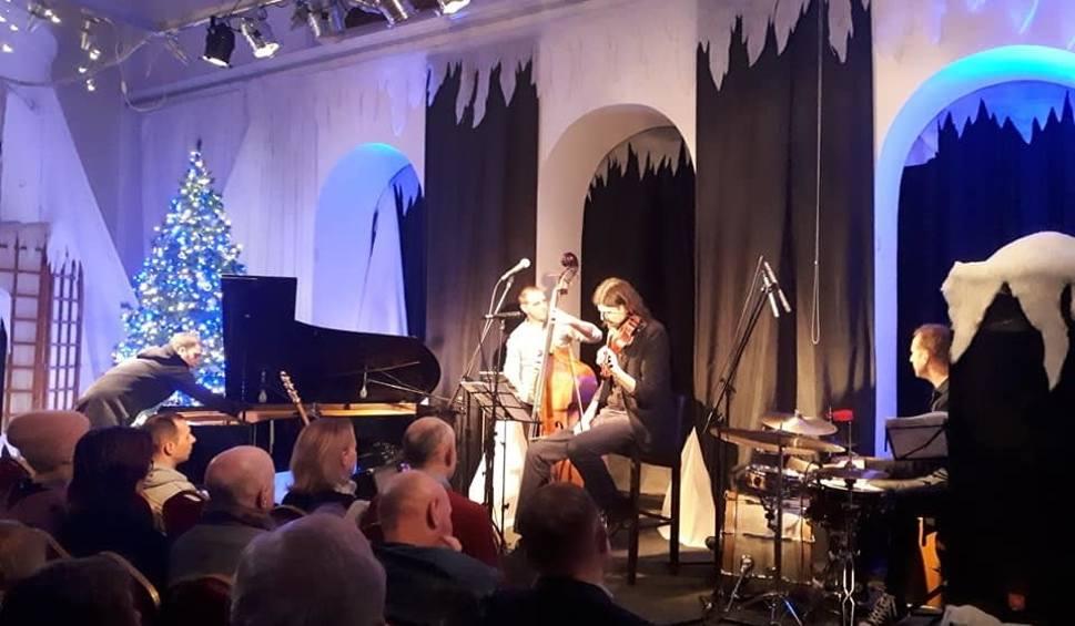 Film do artykułu: Michał Zaborski z kwartetem zagrał w Łaźni koncert promując swoją pierwszą płytę