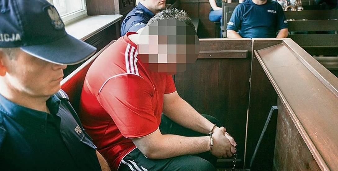 Marcin Ch. został skazany na dożywocie za oblanie żony rozpuszczalnikiem i podpalenie jej. Wyrok zapadł w 2017 roku