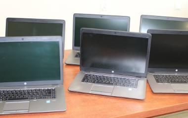 Miechów. Uczniowie dostali laptopy do zdalnej nauki