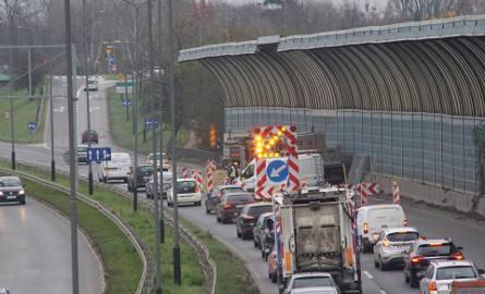 Poznań: Utrudnienia na Witosa potrwają dłużej. Drogowcy zdążą przed porannym szczytem?