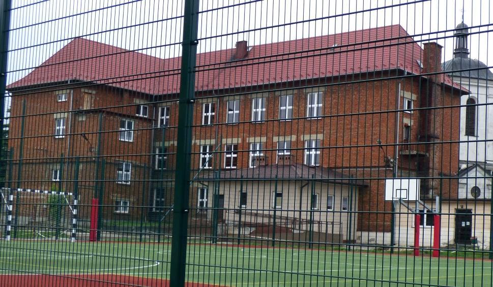 Film do artykułu: Drogo na rynku - nadal nie może ruszyć rewitalizacja Kazimierzy Wielkiej