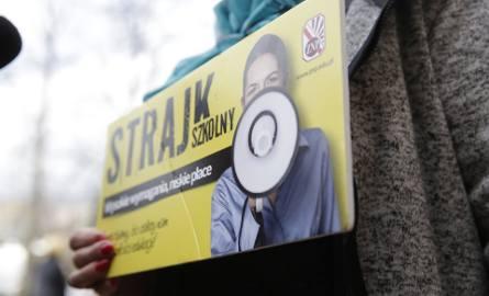 Strajk nauczycieli w Koszalinie i regionie. Większość chce strajkować