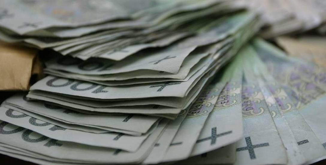 Pani Klaudia jest w szoku. Musi oddać 12 tysięcy złotych!