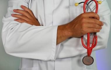 Zobaczcie, jak długo trwa wizyta u lekarza w Polsce, a ile czasu zajmuje w innych krajach. To was zaskoczy!