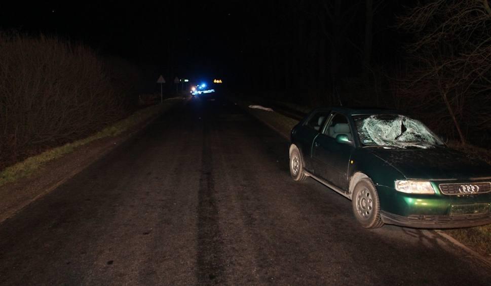 Film do artykułu: Tragiczny wypadek niedaleko Mogilna. Jedna osoba nie żyje!