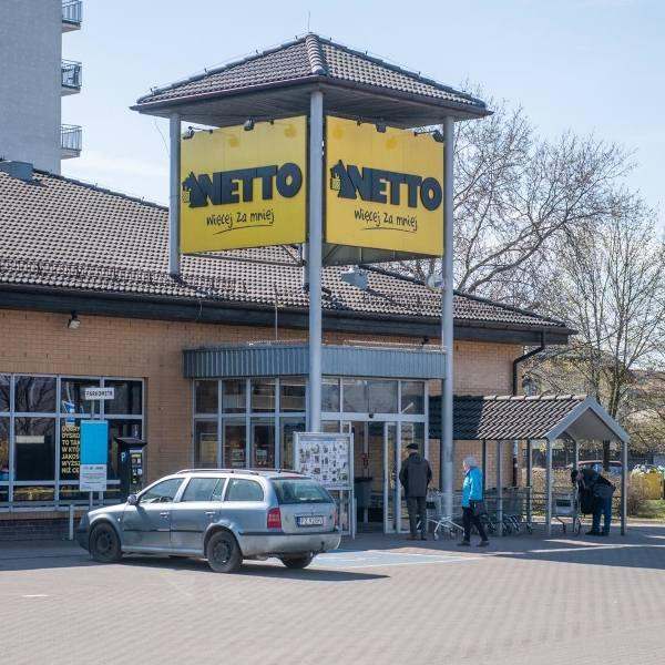 Duńska sieć przejmie większość sklepów Tesco w Wielkopolsce - z wyjątkiem poznańskiego przy ul. Opieńskiego i ostrowskiego przy ul. Kaliskiej.Czytaj