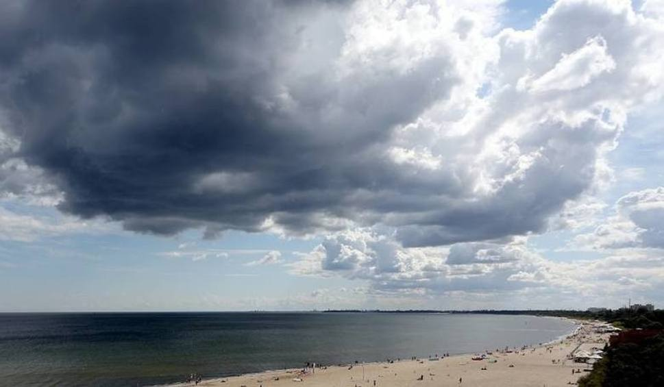 Film do artykułu: Prognoza pogody na najbliższe dni. Wysokie temperatury, możliwy deszcz WIDEO