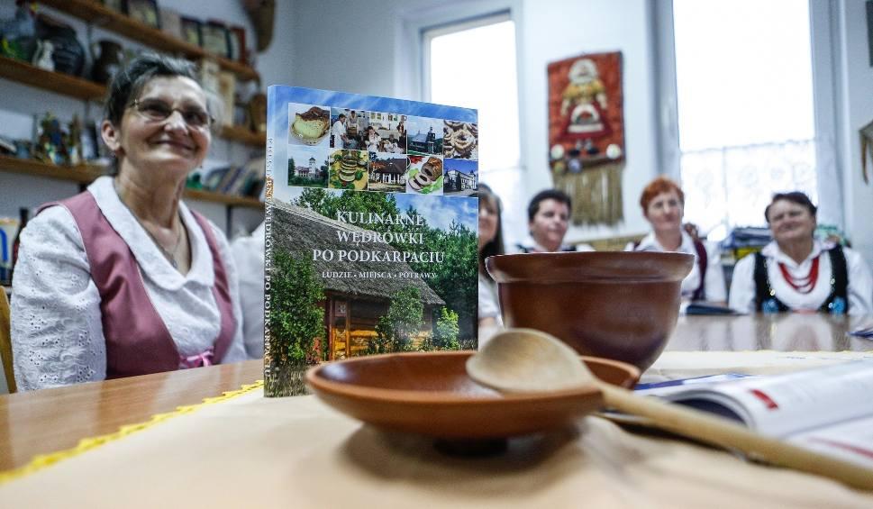 """Film do artykułu: Trzecia część książki """"Kulinarne wędrówki po Podkarpaciu"""" już w sprzedaży!"""