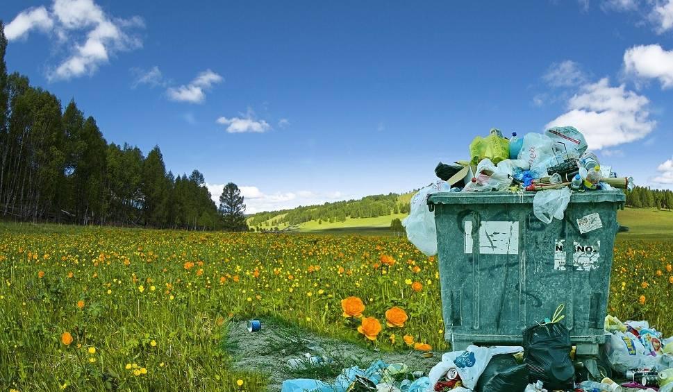 Film do artykułu: Opłata za niesegregowane śmieci ma być 2 razy wyższa. Nowa ustawa przyjęta przez rząd