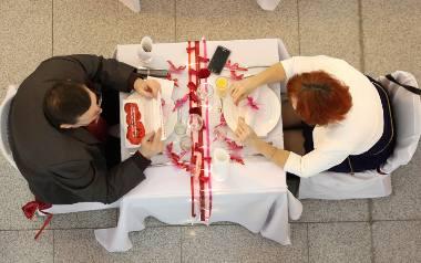 Co trzeci Polak nie obchodzi Walentynek. Co najchętniej dajemy partnerom 14 lutego?