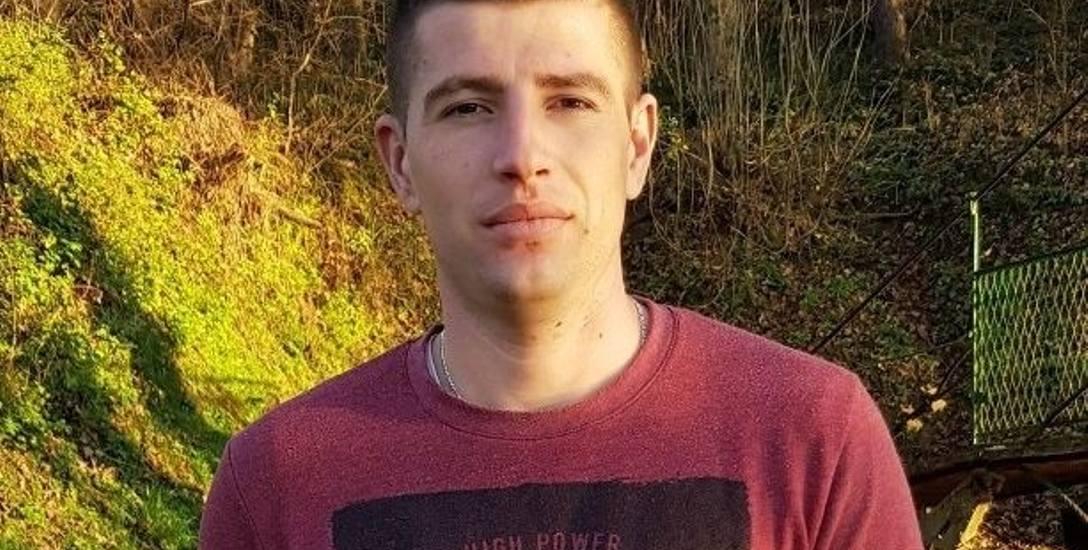 Marcin Giergont lubi pograć w piłkę nożną i siatkówkę