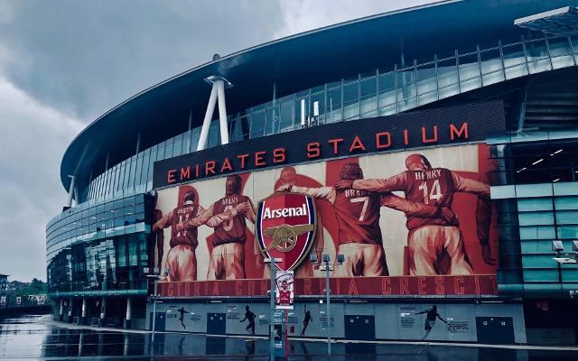 """Liga Europy. Arsenal uciekł spod topora, Molde FK zaskoczyło """"Wieśniaków"""", Slavia Praga lepsza od Leicester. Rozstrzygnięcia w 1/16 finału"""