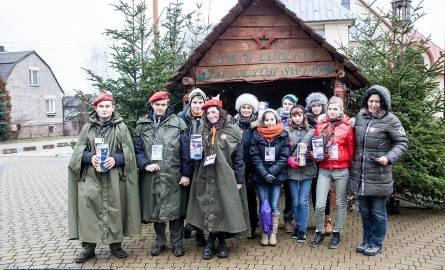 Oto drużyna wolontariuszy, która kwestowała podczas XXII Finału Wielkiej Orkiestry Świątecznej Pomocy na terenie gminy Zagnańsk.